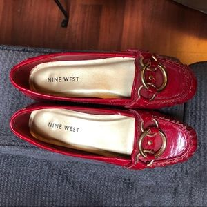 Cute red loafer—ish shoes